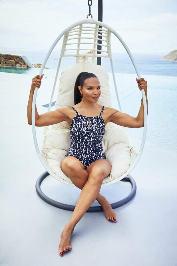 1164975 8378260 - 67-річна мама Наомі Кемпбелл знялася для реклами купальників: звабливі фото