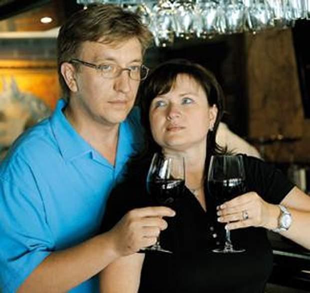 Владислав Бухарєв дружина Олена Бухарева нерухомість