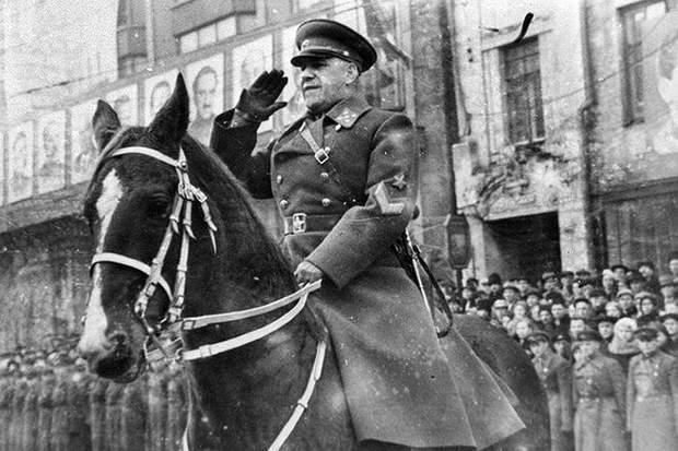 хто такий маршал Жуков біографія історія фото СРСР