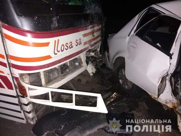 Фото з місця події аварії