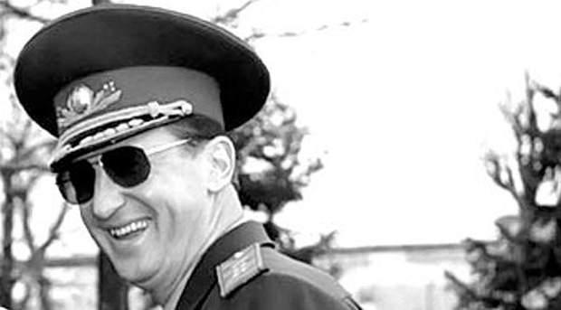 Юррій Кравченко, застрелився Кравченко