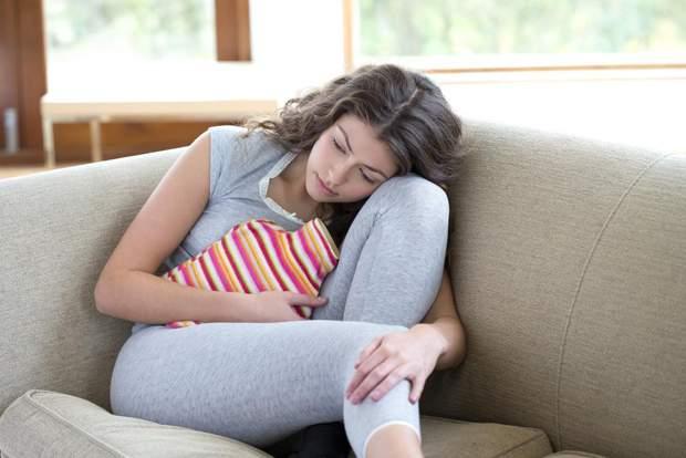 Перекручування яєчника може виникати через кісту