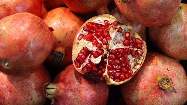 Гранат є дуже корисним фруктом
