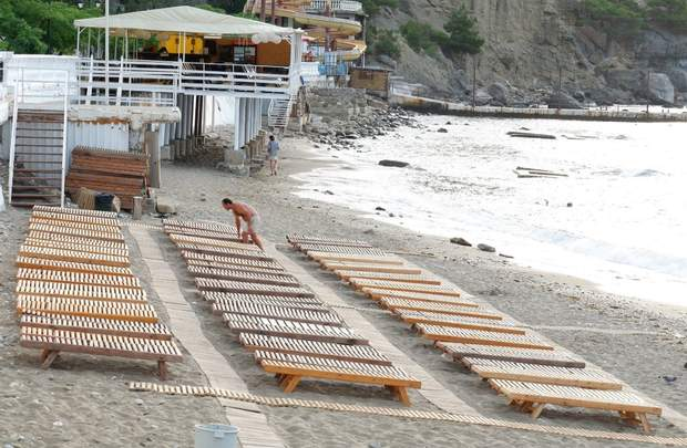 На пляжах в окупованому Криму