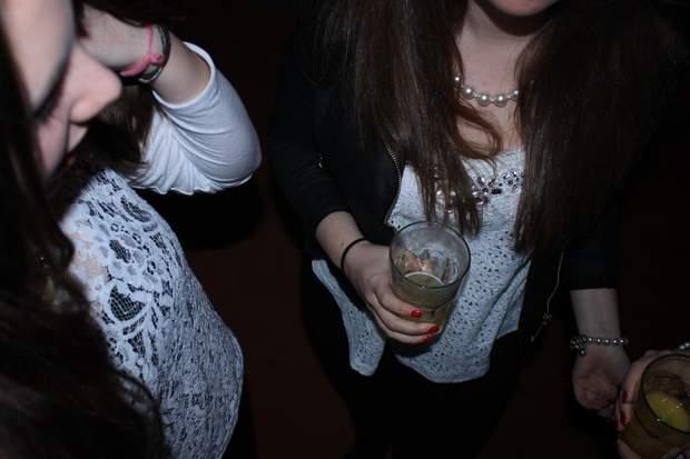 Українські підлітки починають рано пити