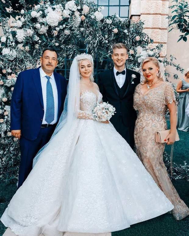 Аліна Гросу на весіллі