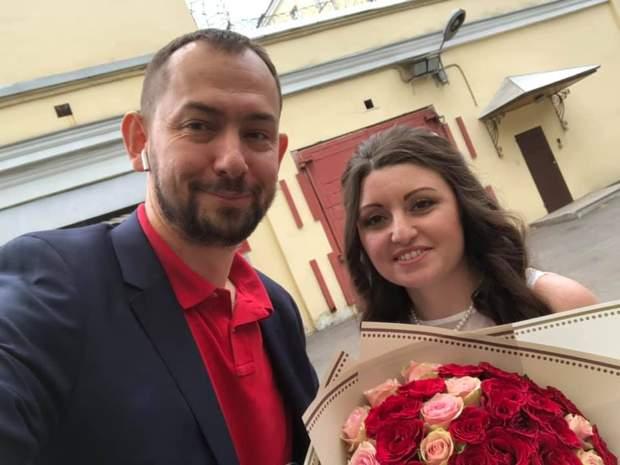 Роман Цимбалюк з дружиною військовополеного