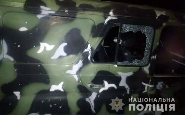 автомобіль поліцейські правоохоронці обстріл