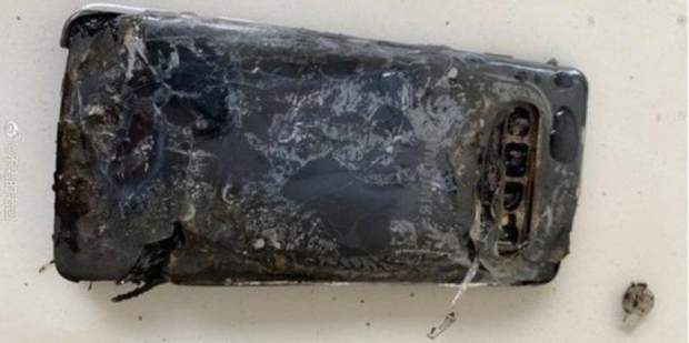 Samsung Galaxy S10 загорівся під час зарядки