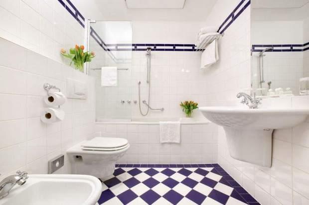 ванна у білому кольорі