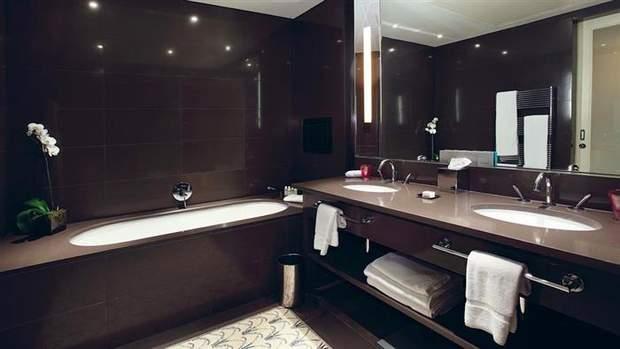 коричнева ванна