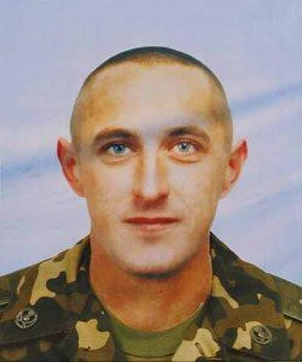 Владимир Степанюк - 40 лет, из села Токарив Житомирской области. Погиб 6 августа 2014-го в бою на 43-м блок-посту от рук банды Цемаха.