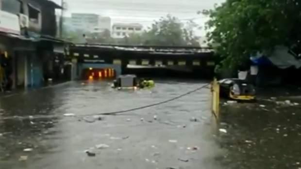 індію затопило