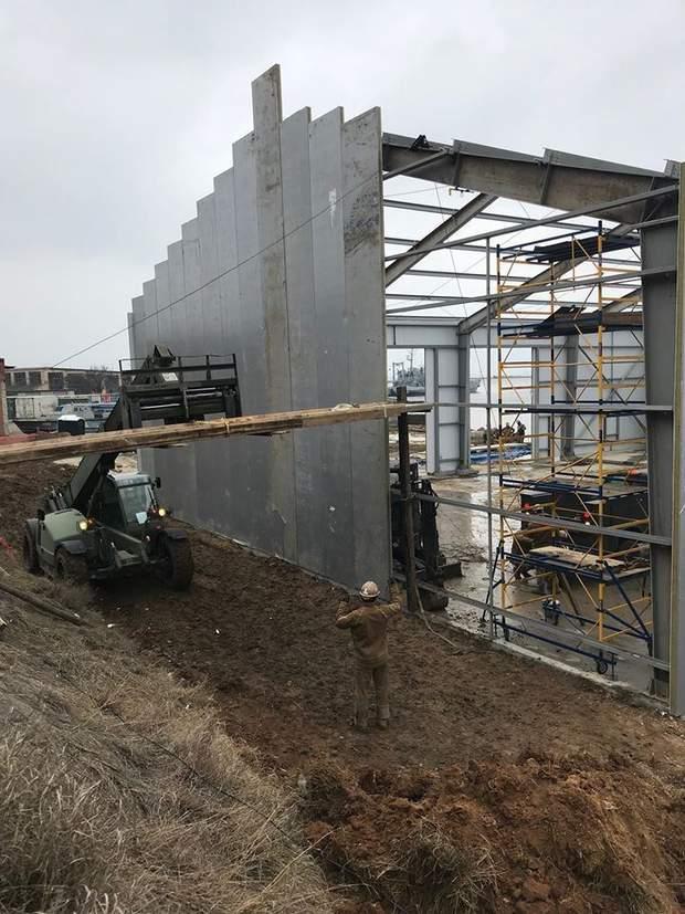 Будівництво бази в Очакові