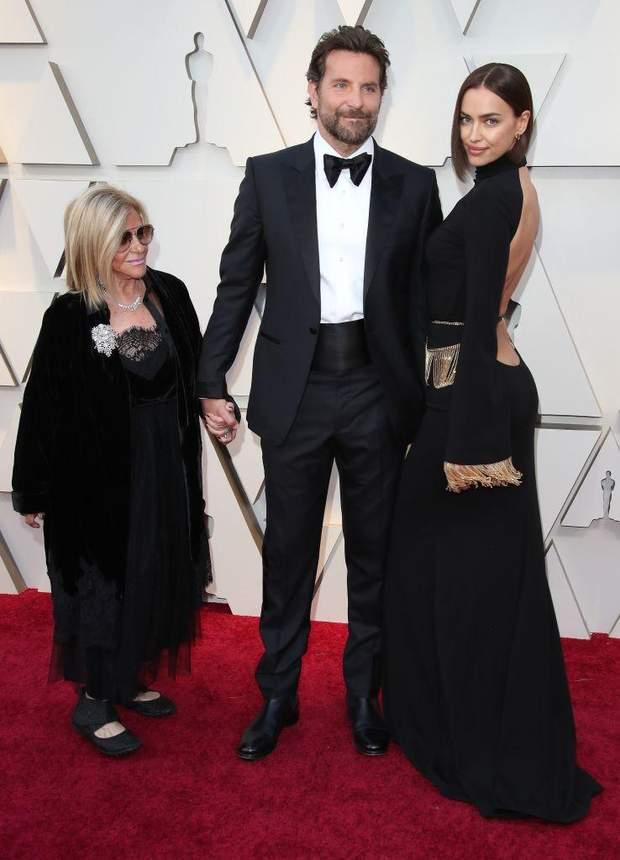 Бредлі Купер з мамою та Іриною Шейк