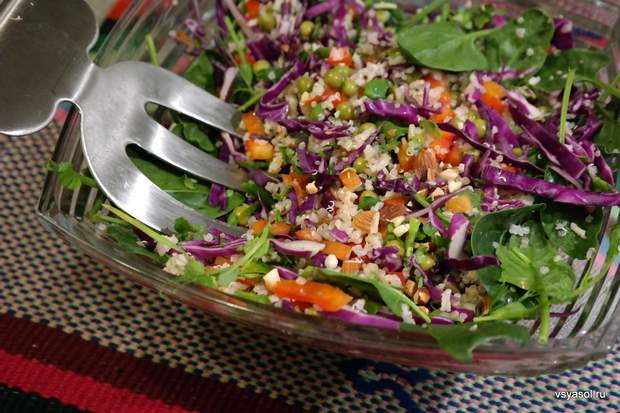 Кіноа ідеально підходить для салату