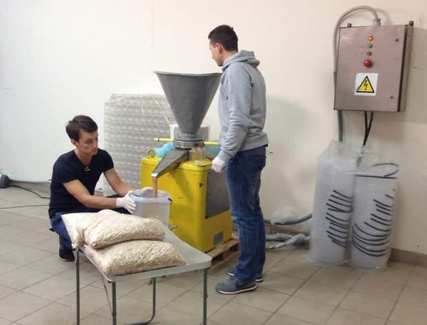 Виробництво арахісової пасти, Бойко і Фітьо -