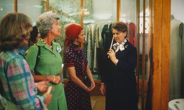 А в такому ж платті у 1978 році на люди з'явилась мама принцеси Сильвія
