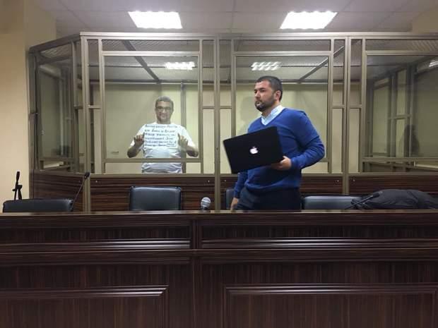 журналист и блогер Нариман Мемедеминов