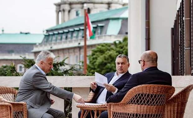 Орбан зустрівся з кандидатом в депутати від Закарпаття за тиждень до виборів