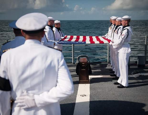 Похоронна церемонія Ніла Армстронга