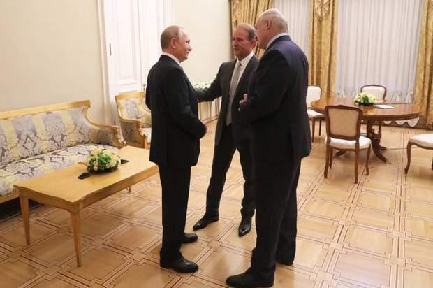 В Санкт-Петербурзі зустрілися Путін, Медведчук та Лукашенко
