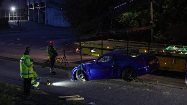 Общество: На гонках в Британии авто влетело в толпу подростков, много раненых: видео рис 4