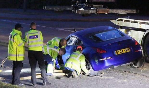 Общество: На гонках в Британии авто влетело в толпу подростков, много раненых: видео рис 5