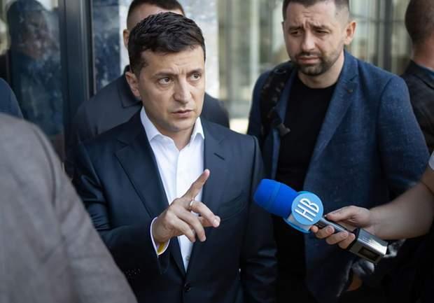 Володимир Зеленський звільнив 11 послів