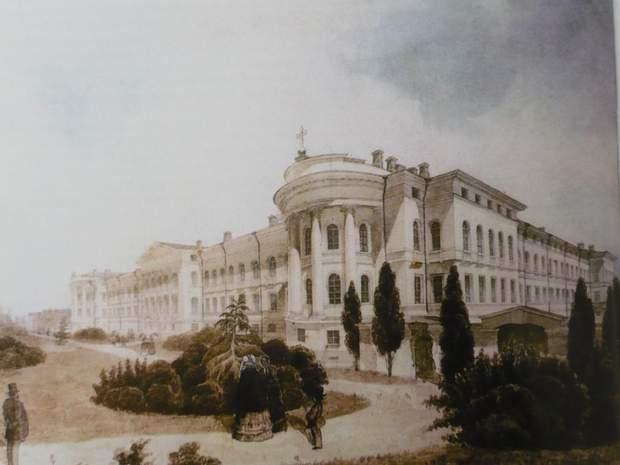 Київський унівеситет Червоний корпус білий фасад