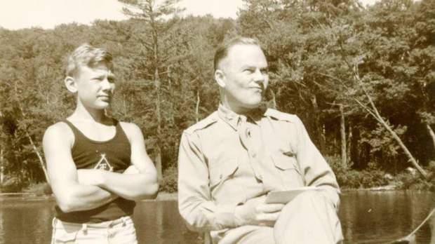 Молодий Базз Олдрін з батьком