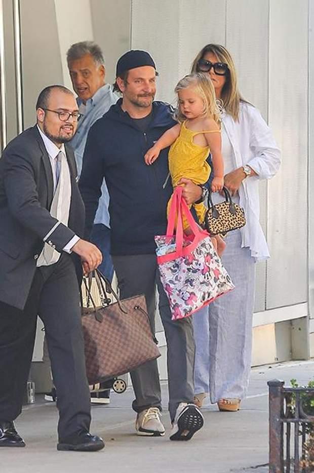 Бредлі Купер з донькою