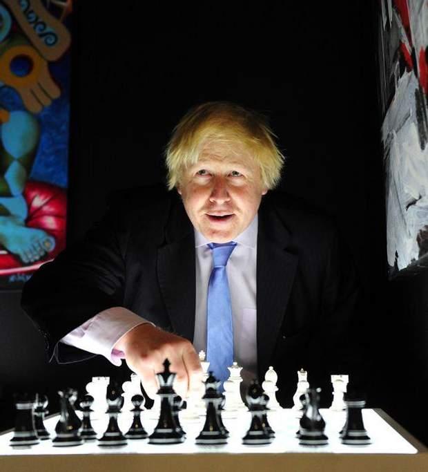 Общество: Борис Джонсон и спорт: забавные казусы нового премьера Великобритании – фото- и видеообзор рис 8