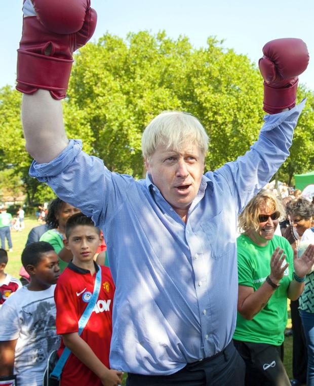Общество: Борис Джонсон и спорт: забавные казусы нового премьера Великобритании – фото- и видеообзор рис 6