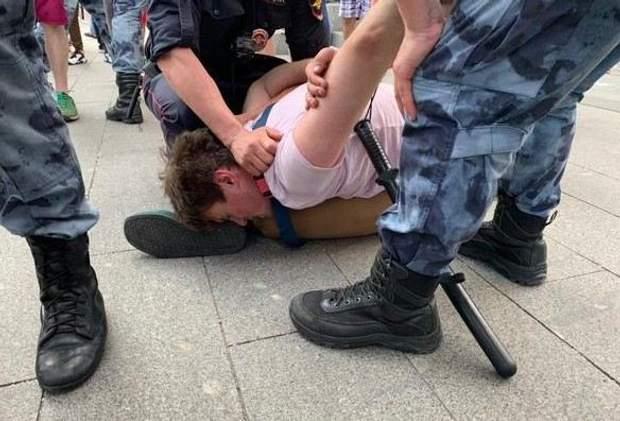 протести в Москві затримання місцеві вибори