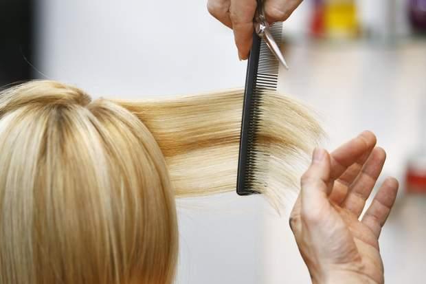 Сприятливі дні для стрижки волосся: 16, 19, 20, 21 серпня та інші дати