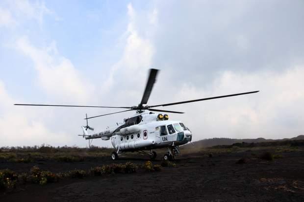 Українські миротворці висадились на кратер найактивнішого вулкану Африки: вражаючі фото