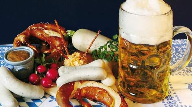 Білі баварські ковбаски Вайсвурсти
