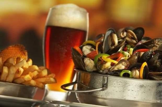 Мулес-фрітес подають до пива у Бельгії