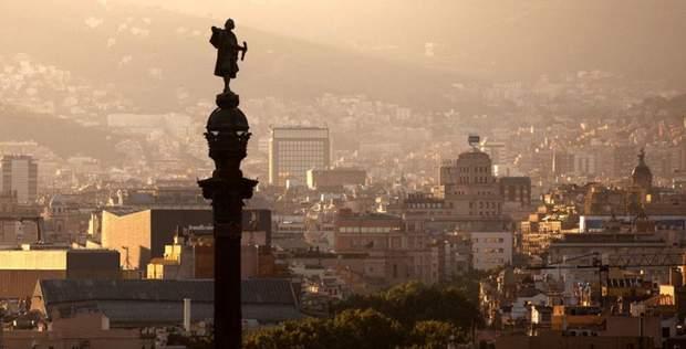 Статуя Колумба в Барселоні