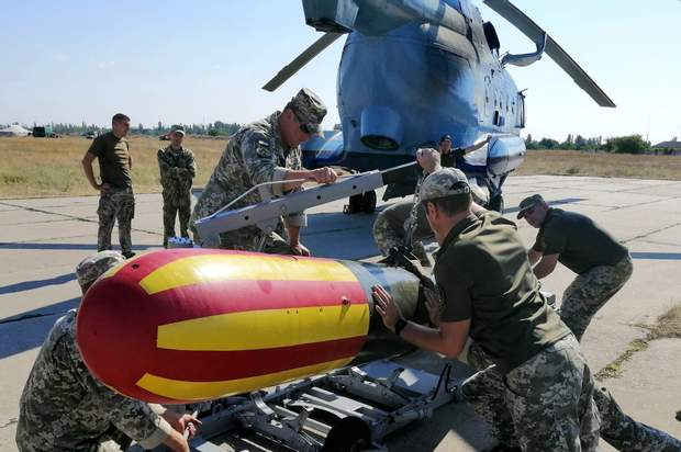 Фото з навчань морської авіації ЗСУ Чорне фото