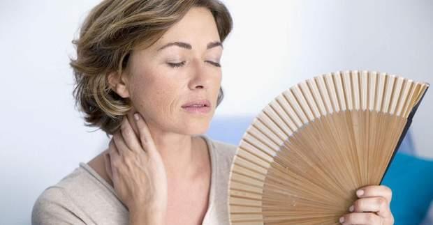 Менопауза негативно впливає на самопочуття жінки
