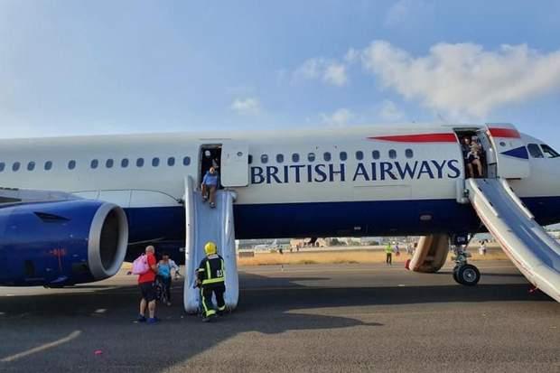 Общество: В самолете рейса Лондон – Валенсия вспыхнул пожар, есть пострадавшие: фото, видео