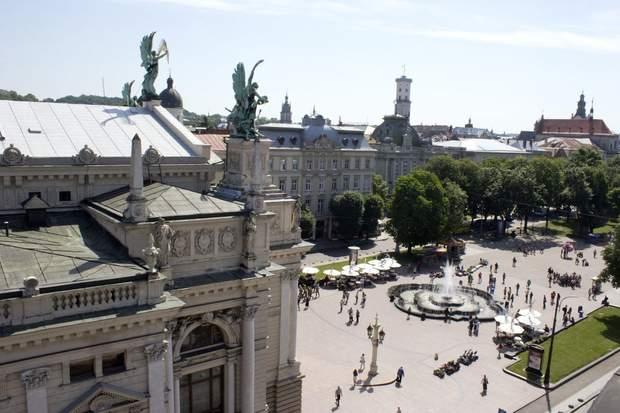 Львів оперний панорама ратуша