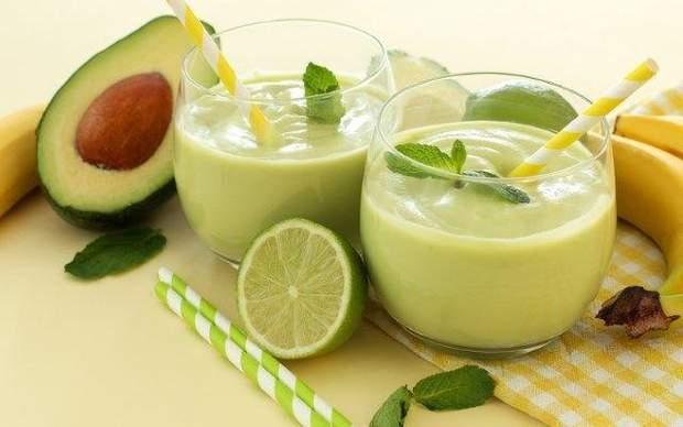 Рецепт приготування цитрусового смузі з авокадо і чіа