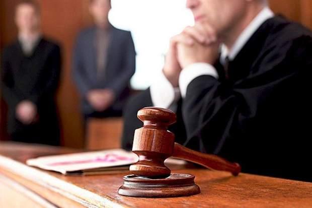 суддів