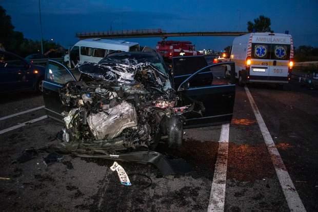 13 людей постраждали в аварії на Київщині