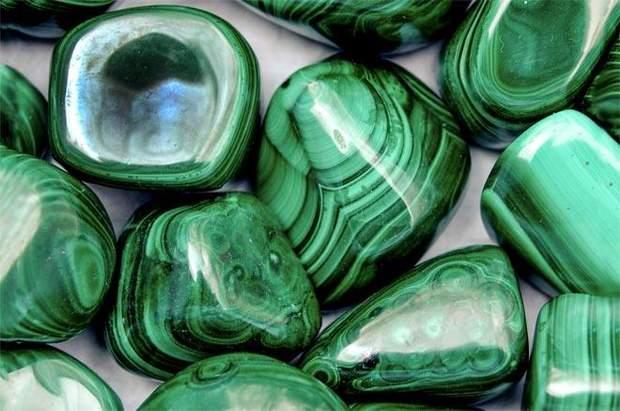 Коштовне каміння – нефрит