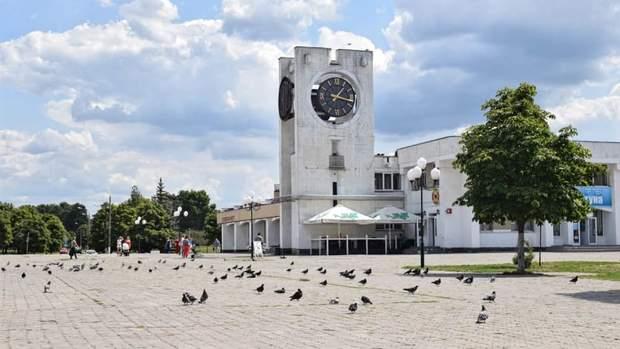 Славутич центральна площа