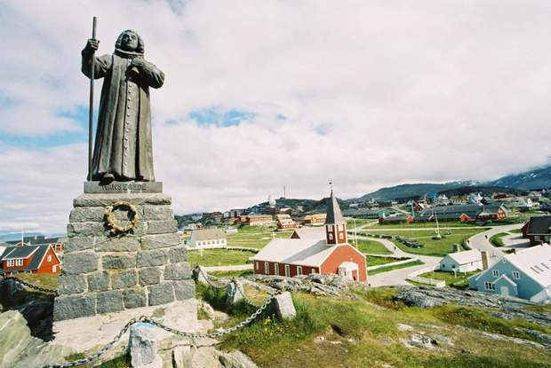 Гренландія памятник церква священик